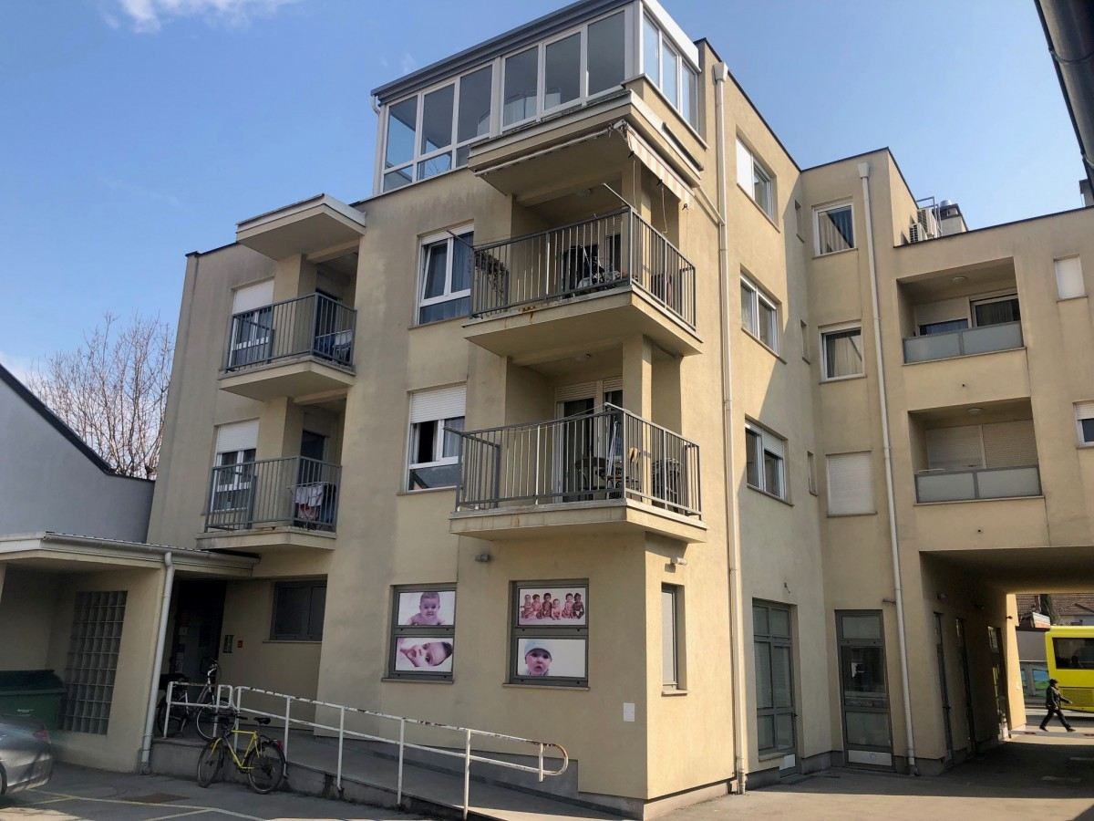 Stambeno-poslovna zgrada: Franjevačka 7